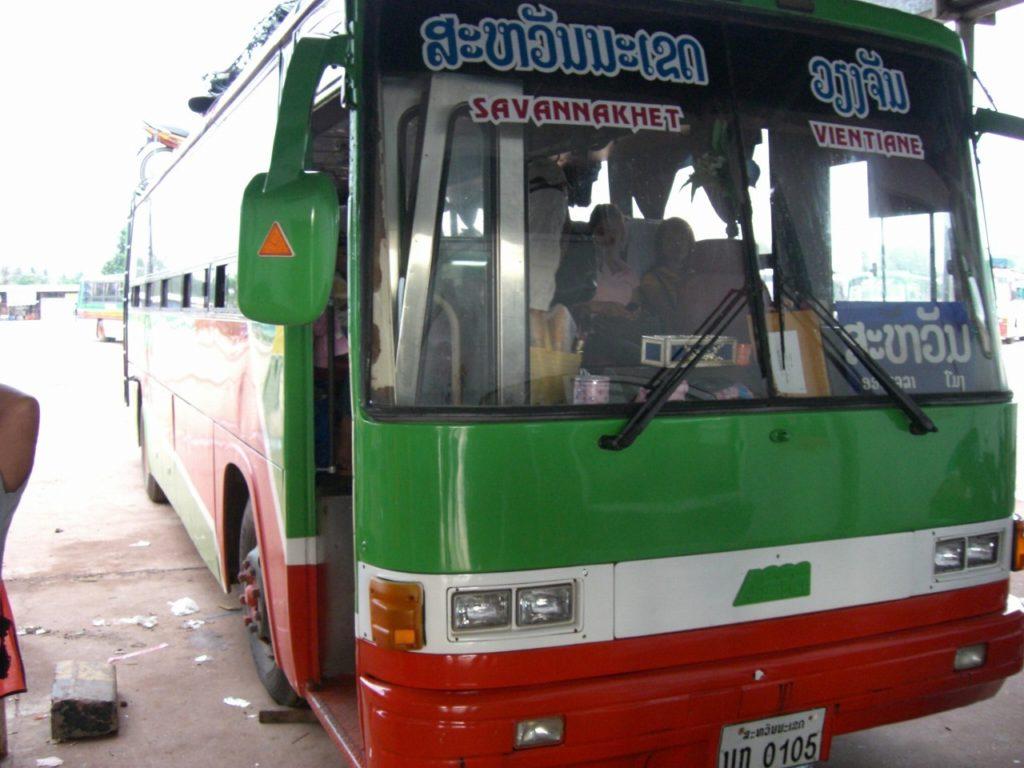 一度は乗りたい!乗ってみたら楽しかったラオスのバス