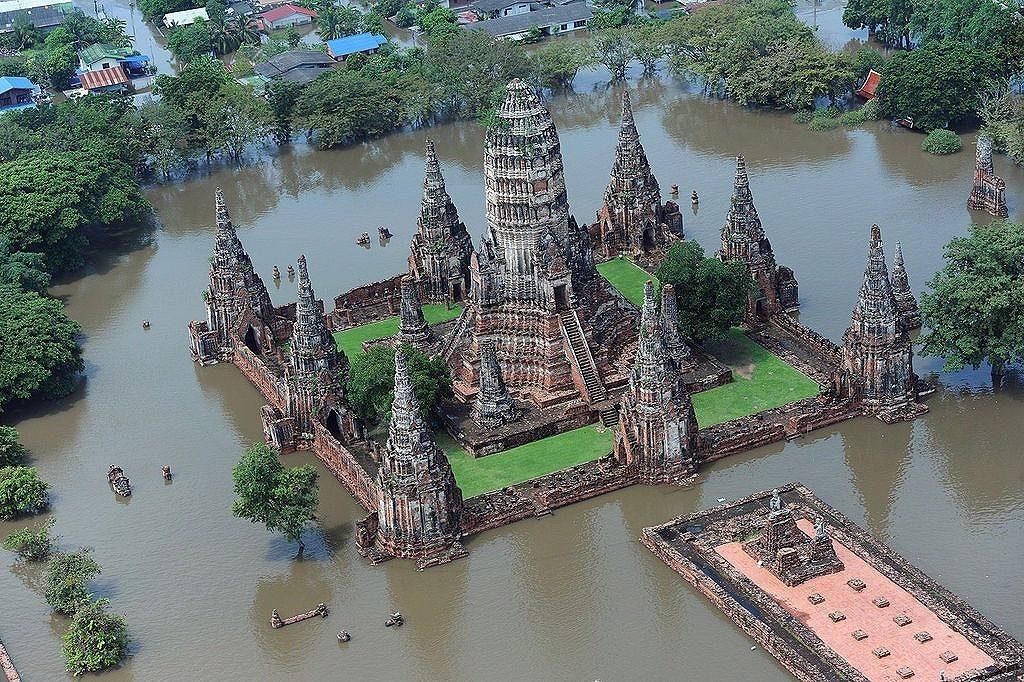 【激ヤバ】タイで発生した大洪水の強烈すぎる秘蔵写真を公開するぞ!